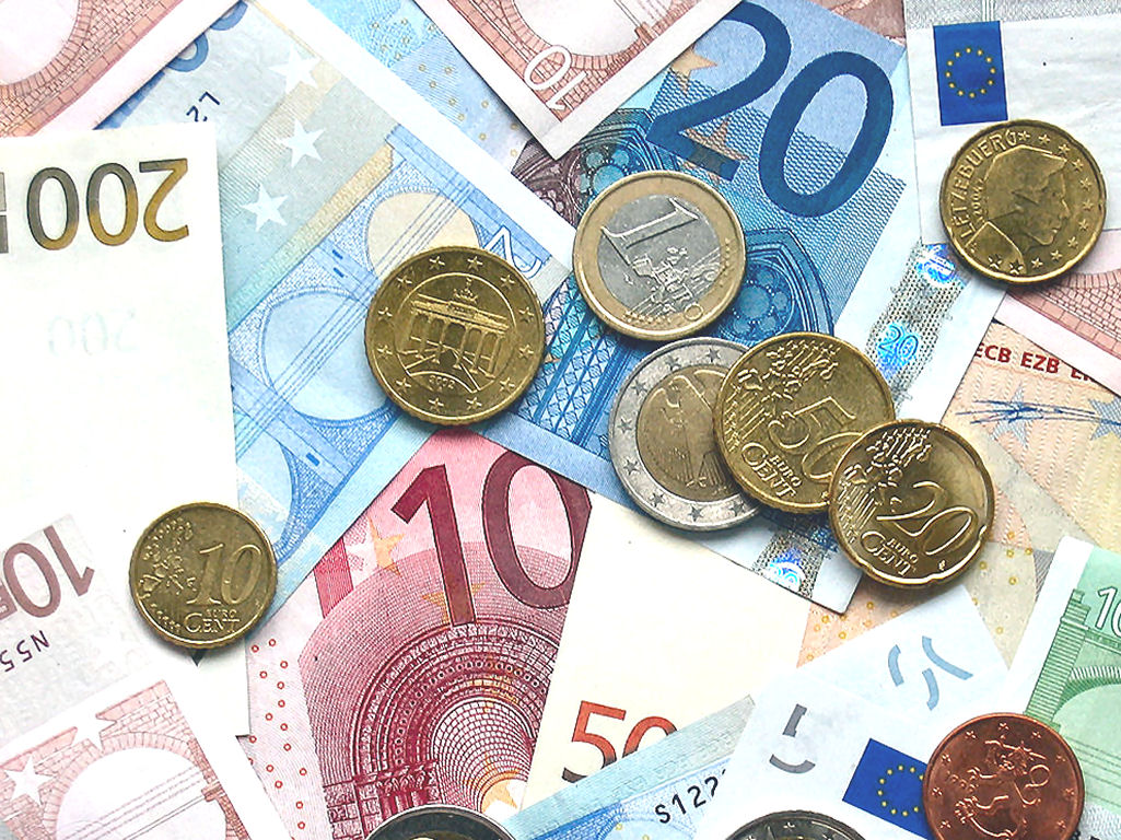Different values of Euro notes and coins. Click here for the currency page.